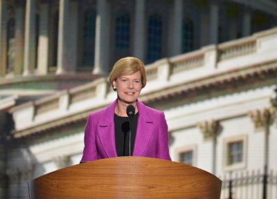 Poll: Obama, Baldwin lead in Wisconsin