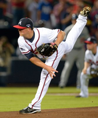 Braves' Medlen diagnosed with ligament injury in pitching elbow