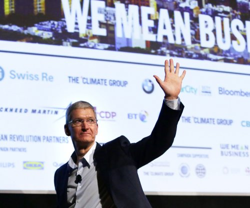 Apple valuation reaches $700B