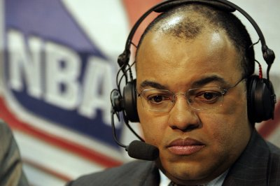 Mike Tirico to replace Al Michaels for four NFL games on NBC