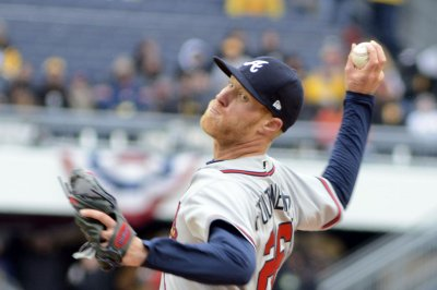 Mike Foltynewicz flirts with no-hitter in Atlanta Braves' win over Oakland A's