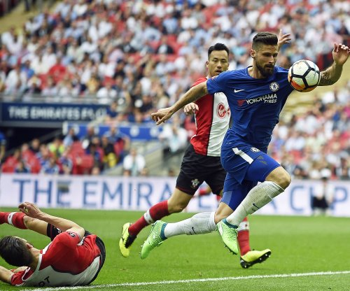 Olivier Giroud, Alvaro Morata lead Chelsea over Southampton
