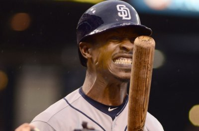 San Diego Padres prevail in 14 on Melvin Upton's homer