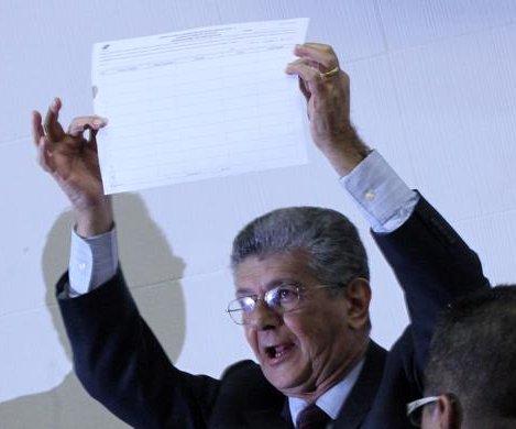 Venezuelan opposition threatens to remove justices after parliament dissolution threat