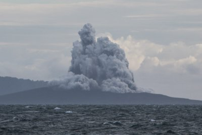 Early warning signs preceded deadly collapse of Krakatau volcano