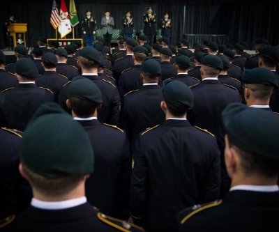 First female Green Beret graduates Army Special Forces course