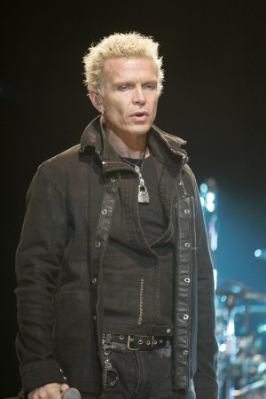 Billy Idol's 'best of' CD has 2 new songs