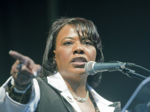 Bernice King says brothers want to sell MLK's Bible, Nobel Prize