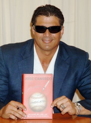 Jose Canseco Twitters his discontent