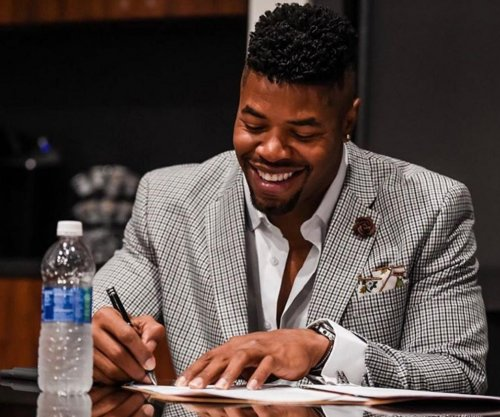 Miami Dolphins give $19 million extension to Cameron Wake