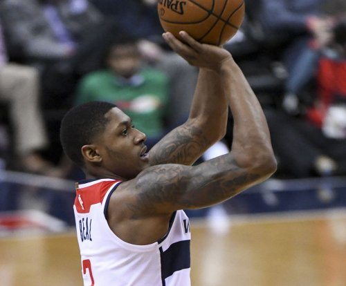 Washington Wizards use defense to steamroll Hawks