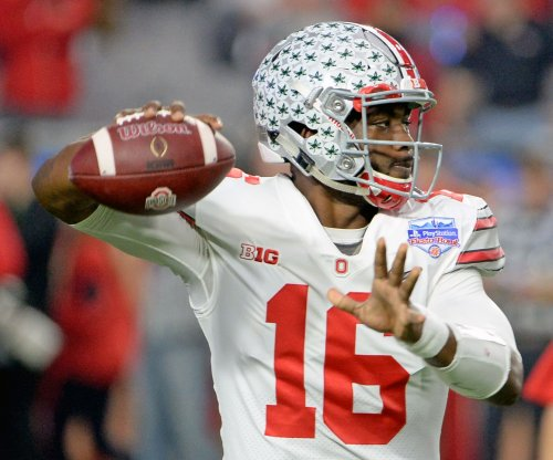 J.T. Barrett: Ohio State Buckeyes quarterback probable to play vs. Wisconsin Badgers