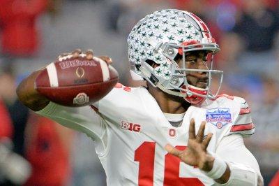 J.T. Barrett: Ohio State Buckeyes quarterback probable to play vs. Wisconsin Badgers