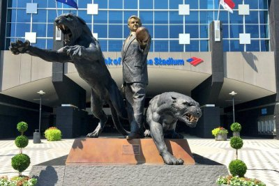 Carolina Panthers remove statue of former owner Jerry Richardson