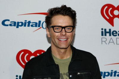 Bobby Bones marries Caitlin Parker at intimate wedding