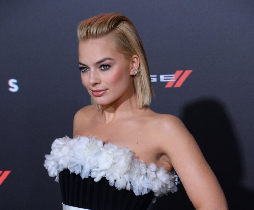 Margot Robbie admits to misspelling tattoo on someone