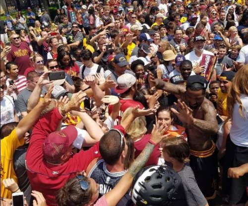 Hundreds of thousands honor Cavs at parade