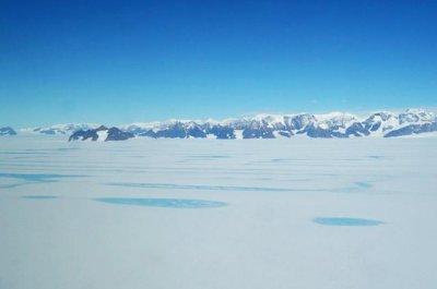 Warm winds are weakening Antarctic ice shelves