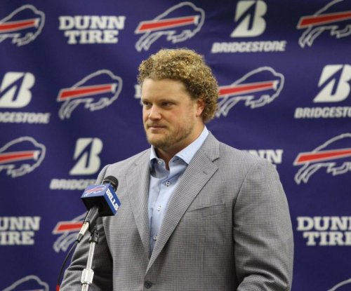 Buffalo Bills release C Eric Wood with injury settlement
