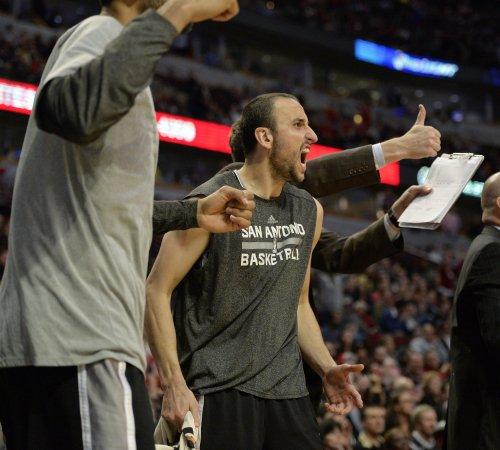 Dallas takes advantage of sloppy Spurs in quarterfinal series win