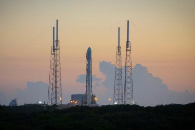 SpaceX makes history, successfully lands reusable rocket