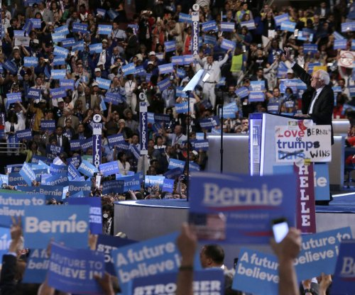Bernie Sanders: 'Any objective observer' sees Clinton is better than Trump