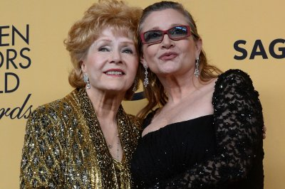 Carrie Fisher-Debbie Reynolds documentary to debut on HBO Jan. 7