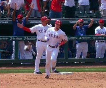 Ryan Rua powers Texas Rangers to ninth-straight win