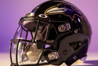 NFL reveals Oakley Mouth Shield to protect players from coronavirus