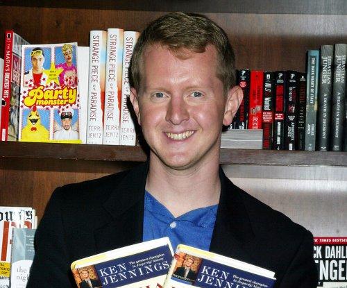 'Jeopardy's Ken Jennings 'truly sorry' for 'insensitive' tweets