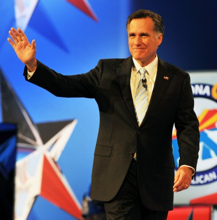 Watchdog: Romney super PAC broke law
