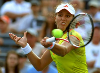 Laura Robson beats Venus Williams in Rome