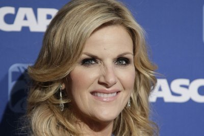 Country star Trisha Yearwood honored as 'voice of a generation'