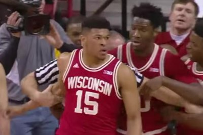 Wisconsin starts fast, holds off No. 2 Maryland