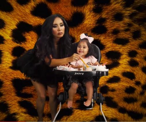 Nicole 'Snooki' Polizzi debuts 'Yung Mommy' music video