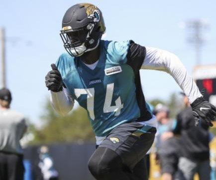 Jacksonville Jaguars finally get glimpse of LT Branden Albert in minicamp
