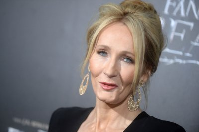 J.K. Rowling apologizes for saying Trump ignored boy in wheelchair
