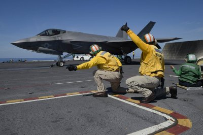 F-35C tests integration with USS Abraham Lincoln