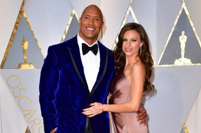 Look Dwayne Johnson Marries Longtime Girlfriend Lauren