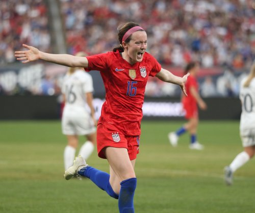 Lavelle, Williams help U.S. women's team crush Costa Rica in soccer friendly