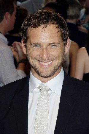 Josh Lucas, wife, to get divorce after 2 years