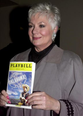 Shirley Jones to skydive for 80th birthday