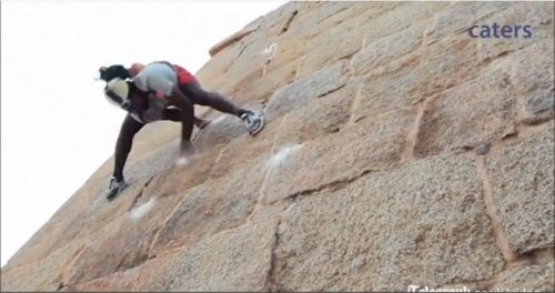 Indian 'Spider-Man' scales walls bare-handed