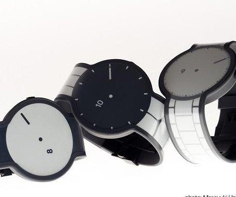 Sony unveils e-paper watch