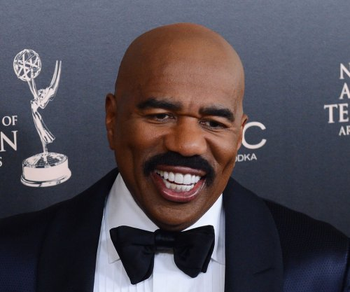 Steve Harvey mocks 'Miss Universe' flub in new Super Bowl ad