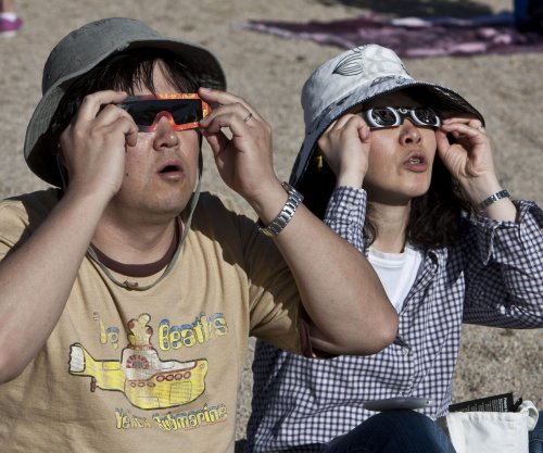 Phony eclipse glasses flood marketplace