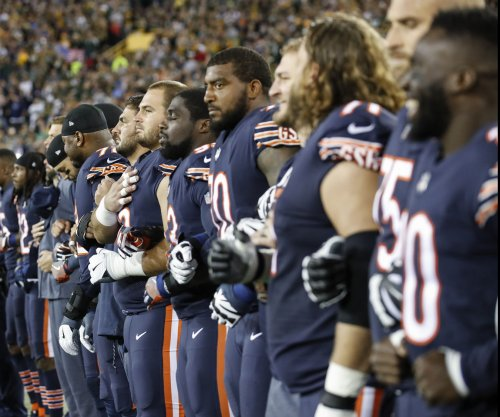 Chicago Bears, Green Bay Packers embrace patriotism, not protest during anthem