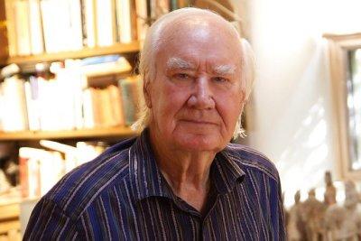Santa Fe art dealer, treasure-hider Forrest Fenn dies at 90