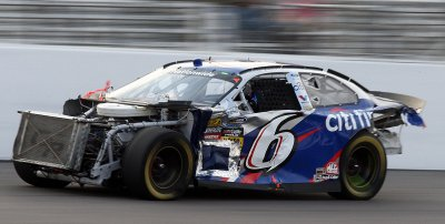 Stenhouse collects first Nationwide win