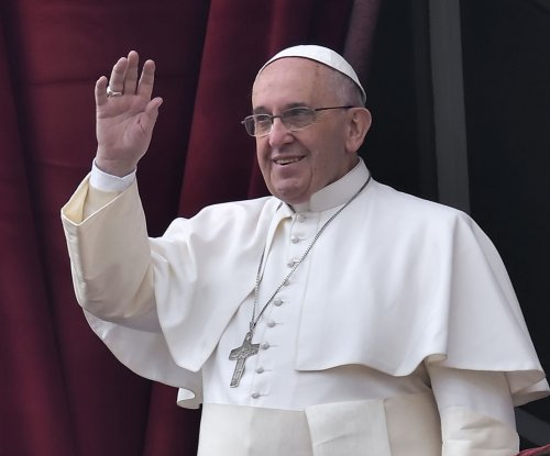 Pope arrives in the Philippines
